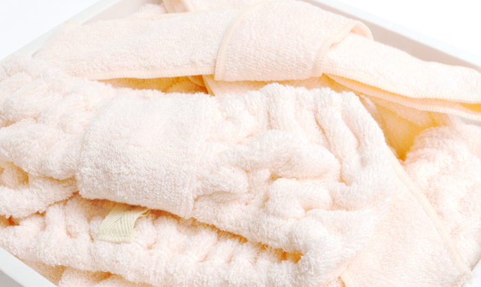 シルクアミノ加工した今治タオルの絹綿美人タオルのバスドレス&ヘアターバンのギフトセット(桜-ピンク)